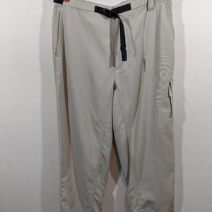 Columbia Women's GRT Omni Dry  Hiking Pants Large
